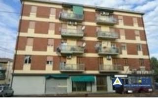Abitazione Di Tipo Civile - Via G. Puccini n. 67 in angolo con via Verdi photo 0