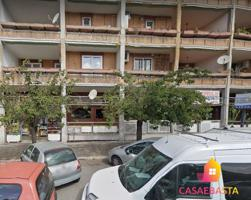 Locale commerciale - Via Benedetto Croce n. 61-63 n.65-67 e n. 67-69 photo 0