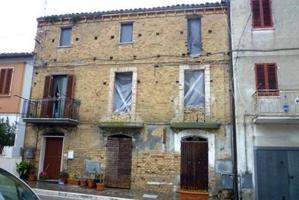 Casa In vendita in 64010, Controguerra, Teramo photo 0