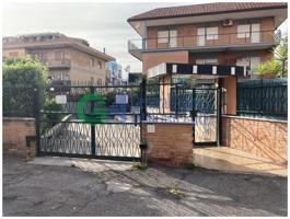 Appartamento In vendita in Via Corigliano Calabro, Statuario, 00118, Roma, Rm photo 0