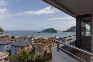 Alquiler estable, vivienda de lujo amueblada. Ondarreta a pie de la playa, Preciosas vistas, muy luminoso. El precio incluye garaje y trastero. photo 0