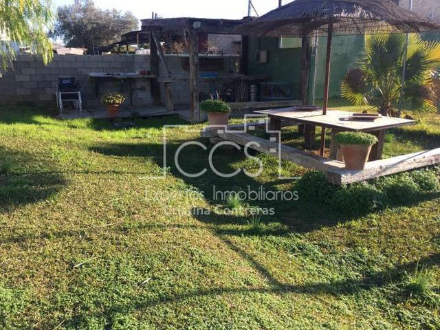 Venta de Chalet de 1.500 m2 de parcela y 250 m2 construidos en Coria del Río. photo 0