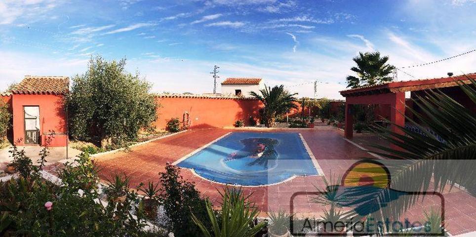 Villa En venta en -, Vélez-Rubio photo 0
