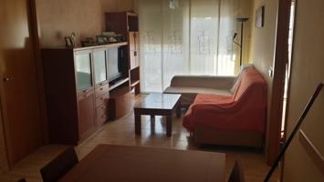 Precioso piso de 2 dormitorios, terraza y parking incluido. Muy luminoso! photo 0