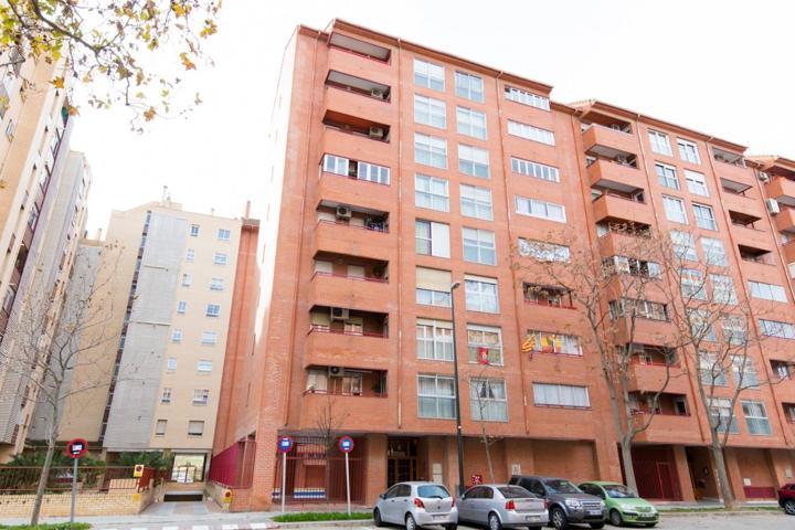 Almozara, 4 dormitorios con garaje, trastero y piscina photo 0