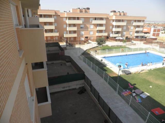 Vivienda Bajo con patio de 100 metos. photo 0