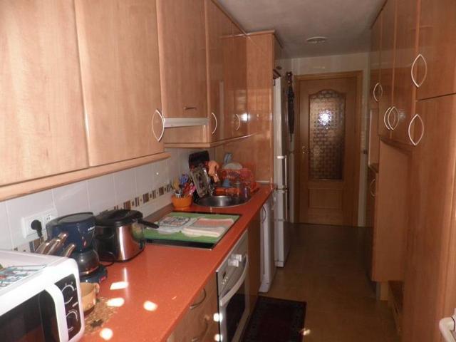 Piso seminuevo en Salesianos, 3 dormitorios, 2 baños, garaje y trastero photo 0