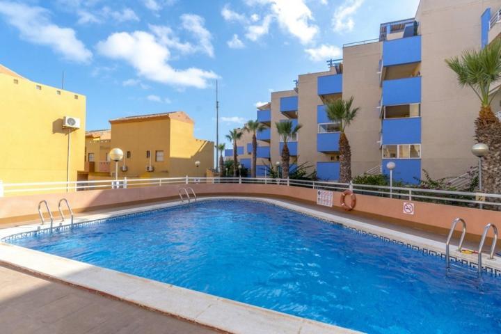 Apartamento en Cabo Roig 200m del mar photo 0