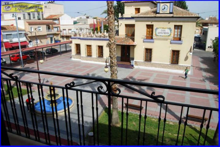 Se vende piso amueblado y equipado de 3 dormitorios en Santomera, zona ayuntamiento. photo 0