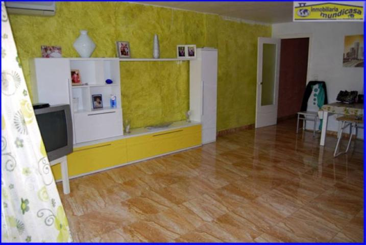 Se vende piso con ascensor 3 dormit., garaje y trastero. El Trinquete photo 0