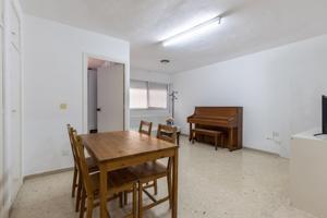 'Fantástico piso con amplia cochera con altillo junto al Triunfo' photo 0