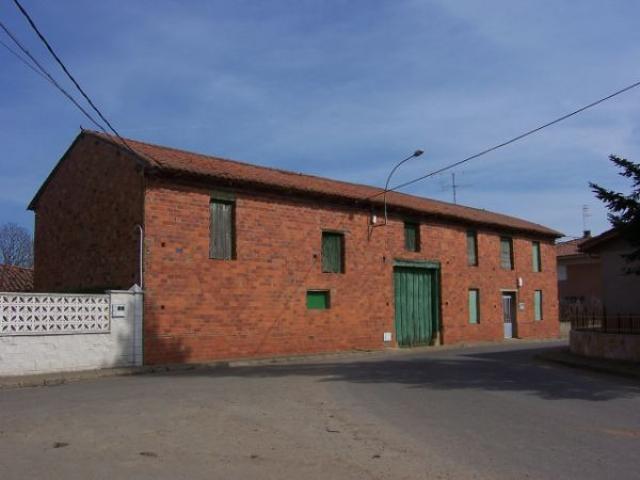 Casa En venta en Calle La Carretera, Valdefresno photo 0