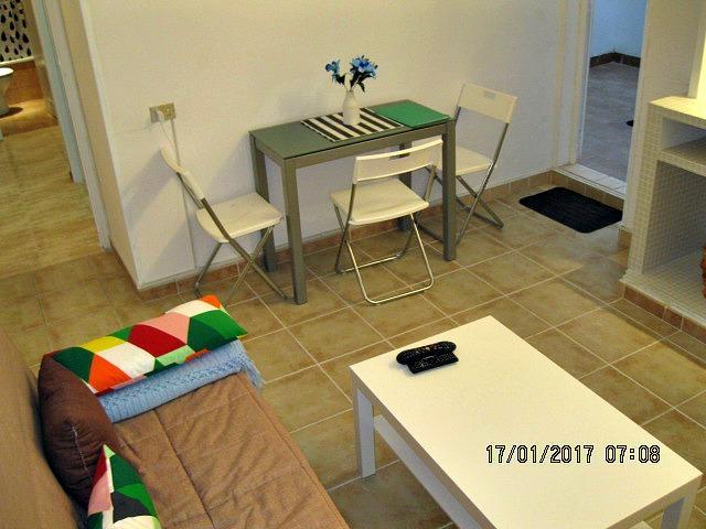 En Zona Santa Catalina se vende piso de 2 habitaciones. Muy luminoso. A pocos metros de Las Canteras...CON LICENCIA PARA VV!!!! photo 0