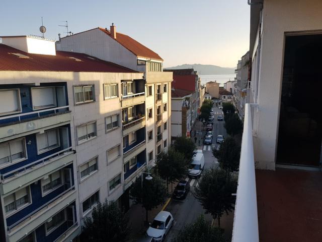 Piso de tres dormitorios con garaje, céntrico y exterior. Amplio. Balcón. photo 0