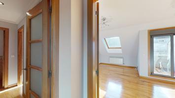 Exclusivo apartamento con garaje. Dos dormitorios y dos baños. Próximo Traviesas. photo 0