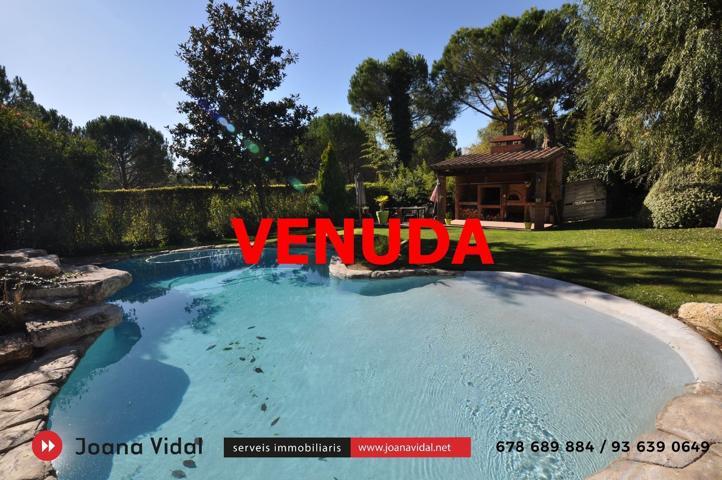 Casa en venta en Begues, con 240 m2, 5 habitaciones y 3 baños, Piscina, Garaje, Trastero y Calefacción gasóleo. photo 0