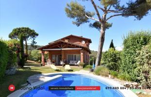 Casa en venta en Begues, con 384 m2, 4 habitaciones y 4 baños, Piscina, Garaje, Ascensor y Calefacción gasóleo. photo 0