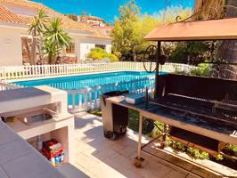 Casa En venta en El Candado - El Palo, Málaga Capital photo 0