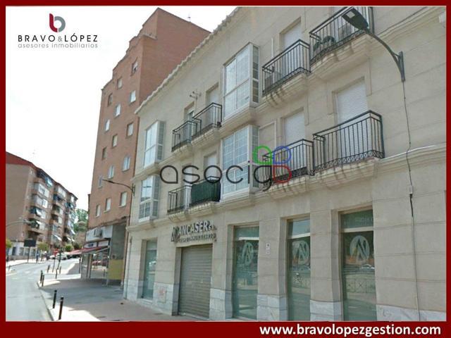 Bravo López gestión vende duplex de dos dormitorios, con garaje y trastero. Ubicada en el centro de Guadalajara. Piso rodeado de todos los servicios y zonas verdes.  photo 0