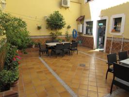 Oportunidad preciosa vivienda adosada en el Casco!! bonita distribución patio de 65 m2. photo 0