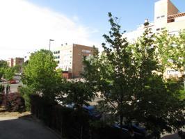 Precioso piso de 4 dormitorios con 2 baños, zonas comunes con piscina, trastero y plaza de garaje !!! photo 0