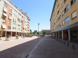 Precioso local de 110 m2 ubicado en zona asentada económicamente de Alcalá de Henares !!! photo 0