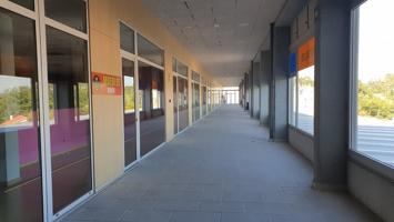 Local en centro comercial Monte Balado photo 0