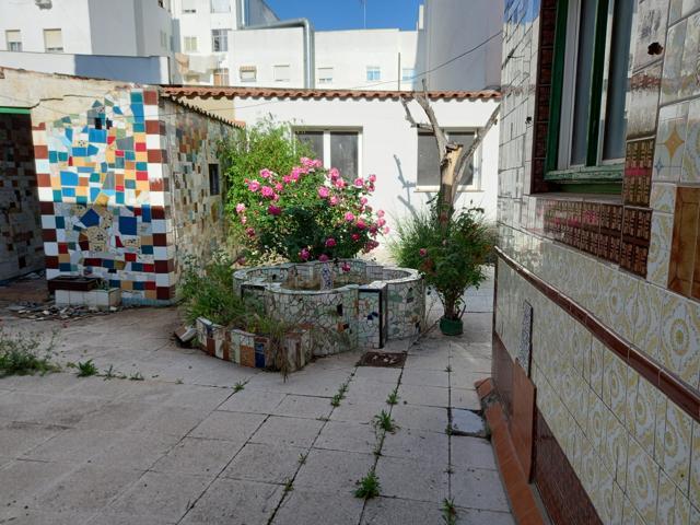 Casa En venta en Calle Fuentes, Almendralejo photo 0