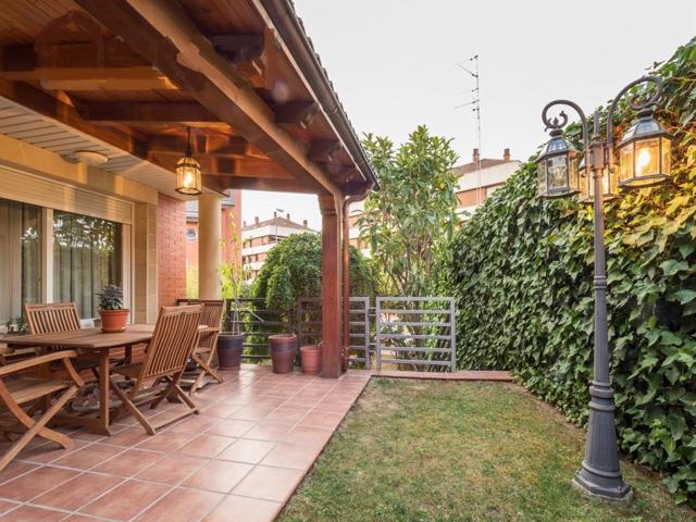 Precioso pareado en Avda de Madrid con jardin  photo 0