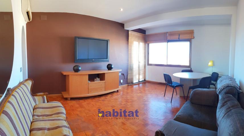 Amplio piso en Rovira i Virgili con 5 habitaciones photo 0