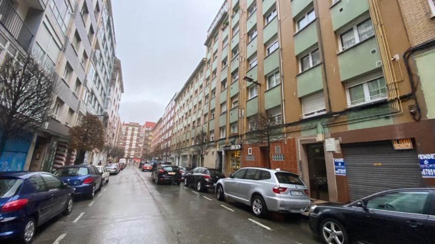 Piso En venta en Calle Ribagorza, Gijón photo 0