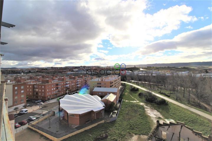 Vivir con terraza y vistas, un lujo. Magnifico Ático dúplex . Con dos terrazas de unos 15 m2 cada una. La 1ª con salida por el salón y la 2ª por la cocina. photo 0