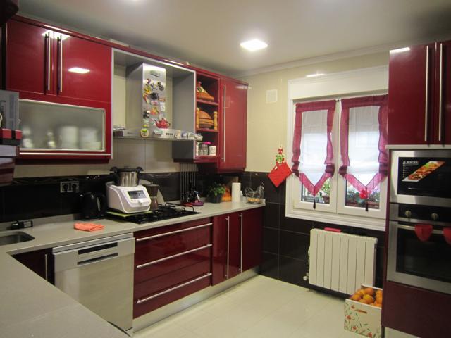 precioso piso reformado todo exterior de 96 m2 con 4 habitaciones, muy céntrico photo 0