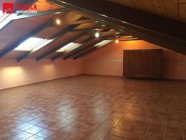 Casa en venta en La Carlota, con 270 m2, 4 habitaciones y 3 baños, Trastero y Amueblado. photo 0