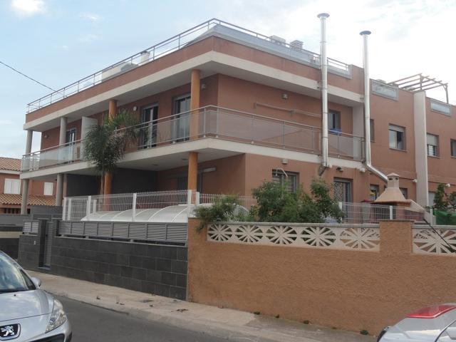 Casa En venta en Calle Illes Balears, Almazora - Almassora photo 0