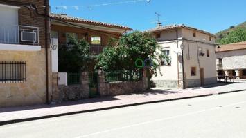 Casa en venta en Moratilla De Los Meleros, con 172 m2 y 3 habitaciones y 2 baños. photo 0