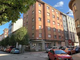 Piso En venta en Calle Felipe Ii, La Calzada, Gijón photo 0