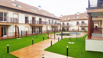 Promoción de 60 viviendas de 2 dormitorios, 1 cuarto de baño, salón-comedor y cocina, disponibilidad de plazas de garaje y trasteros. Las viviendas disponen de unas superficies que oscilan entre los 67,73 m² y los 99 m² construidos. photo 0