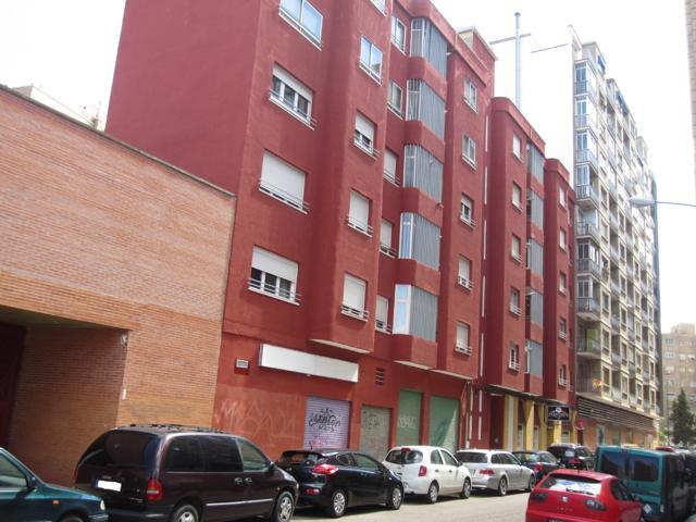 Piso En venta en Calle Pilar Sinués Y Navarro, Barrio Del Ave, Zaragoza Capital photo 0