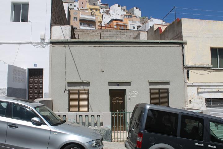 Casa En venta en Calle Tajinaste, Santa Clara - Las Delicias - Mayorazgo, Santa Cruz De Tenerife Capital photo 0