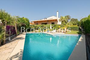 Espectacular villa en Alella con vistas al mar photo 0
