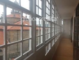Piso en venta en Santiago De Compostela, con 342 m2 y 8 habitaciones y 3 baños. photo 0