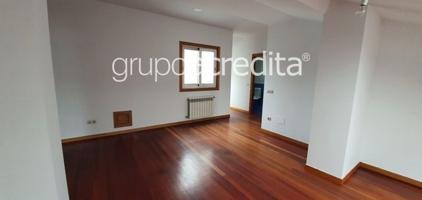 Piso en venta en Santiago De Compostela, con 148 m2 y 3 habitaciones y 3 baños. photo 0