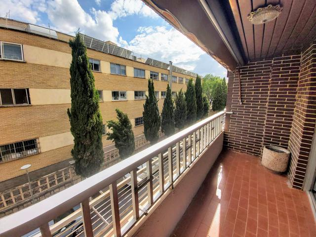 Se vende bonito piso en la Avenida de Andalucía photo 0
