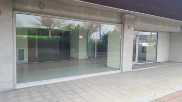 Local En venta en Avenida Juan Carlos I, Alcalá De Henares photo 0