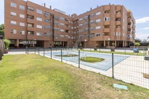 Estupendo piso en urbanización con piscina photo 0