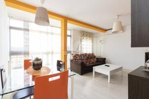 Fantástico piso totalmente reformado photo 0