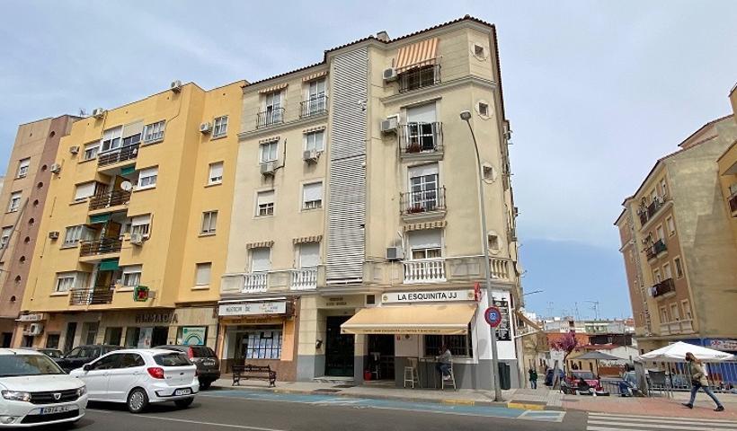 Piso En venta en Calle Corte De Peleas, Badajoz Capital photo 0