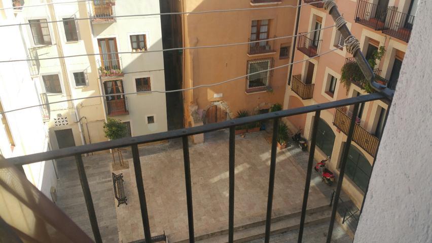 Piso de 70 m2 en PLaça Ripoll, Part Alta. photo 0