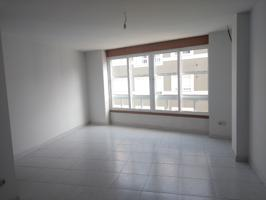 Amplio piso en Vázquez de Parga, Carballo photo 0
